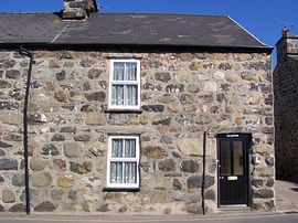 Glasfor cottage