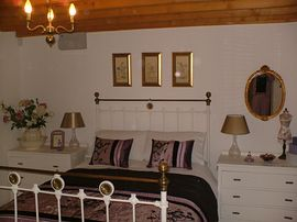 Stable Cottage bedroom