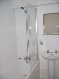 Boscote Apartment bathroom