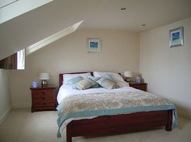 3rd Floor Bedroom with en-suite, Regency House Apartment