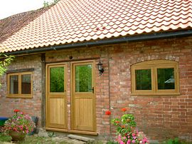 the cottage with stable doors