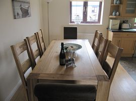 Oak dining table for up to 8 people